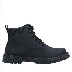 CafèNoir Black Ankle Shoes Size EU 39 Brand New